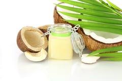 Óleo de coco com coco Imagem de Stock Royalty Free