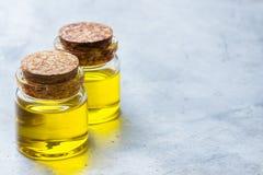 Óleo essencial orgânico com para beleza e tratamento dos termas Imagens de Stock Royalty Free
