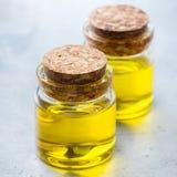 Óleo essencial orgânico com para beleza e tratamento dos termas Foto de Stock