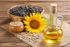 Óleo, semente e girassol de girassol Fotografia de Stock Royalty Free