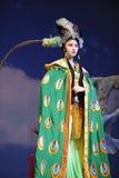 Ópera china: Montaña llameante Fotos de archivo libres de regalías