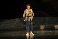 A ópera de Jiangxi da juventude da nacionalidade de Han uma balança romana Fotografia de Stock
