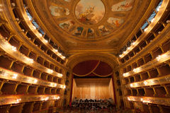 Ópera House Teatro Massimo Vittorio Emanuele de Teatro Fotos de archivo libres de regalías