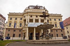 Ópera nacional eslovena en Bratislava Imagen de archivo