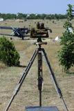 Óptico militar en el campo de aviación Fotografía de archivo