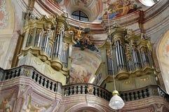 Órgão barroco velho, vila Krtiny, república checa, Europa fotos de stock