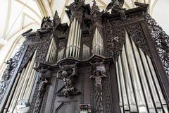 Órgão de tubulação famoso na igreja de St James, Brno, república checa Fotos de Stock