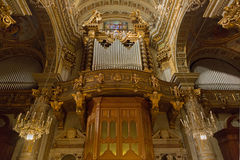 Órgão de tubulação, instrumento musical em Santa Margherita Church em San Fotos de Stock