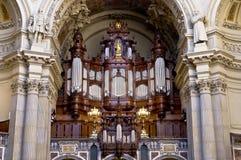 órgano Imagen de archivo libre de regalías