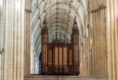 Órgano de la iglesia en la iglesia de monasterio de York Imagen de archivo libre de regalías