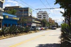Ônibus bonde em Quito, Equador Imagem de Stock