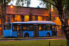 Ônibus da cidade de Budapest na garagem central Fotos de Stock Royalty Free
