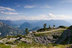 Ônibus de Áustria na estrada Fotografia de Stock