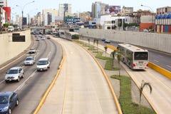 Ônibus de Metropolitano em Lima, Peru imagens de stock royalty free