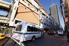 Ônibus de serviço expresso pela autoridade portuária New York fotografia de stock