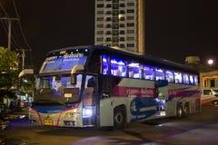 Ônibus de Volvo da empresa do governo do transporte Rota de ônibus de 15 medidores Foto de Stock