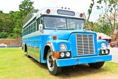 Ônibus do azul do vintage fotografia de stock royalty free