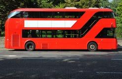 Ônibus dobro vermelho da plataforma Fotos de Stock Royalty Free