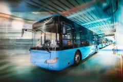 Ônibus elétrico puro fotografia de stock royalty free
