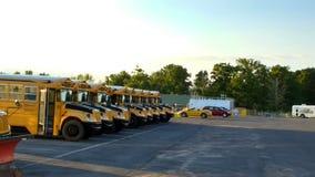 Ônibus escolares americanos fotografia de stock royalty free