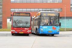 Ônibus na estação de trem Fotografia de Stock Royalty Free