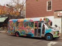 Ônibus pintado em New York, EUA fotografia de stock royalty free