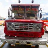 Ônibus vermelho de GMC do vintage em Medellin, Colômbia Fotografia de Stock