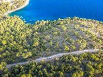Ö av Brac i Kroatien, Europa Härligt förlägga arkivfoton
