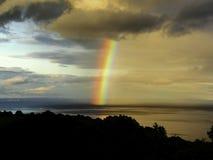 Ö av den Arran regnbågen arkivfoton