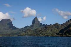 Ö av Moorea i franska Polynesien royaltyfri fotografi