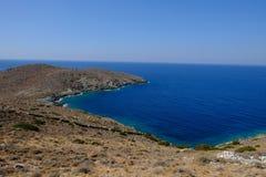 Ö av Syros i Grekland, panorama av kliffen nästan Delfin fotografering för bildbyråer