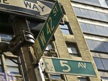 ö Avenida e 42nd rua Fotos de Stock Royalty Free