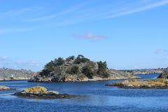 Ö i skärgården av Göteborg, Sverige, Skandinavien, öar, hav, natur Royaltyfria Bilder