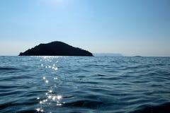 Ö och upplyst hav Arkivbilder