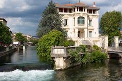Ö-sur-la-Sorgue - Vaucluse - Provence - Frankrike Arkivfoton