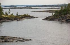 Öar Autumn Scenery för Lake Ladoga Skerriessten Fotografering för Bildbyråer
