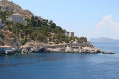Öar av den sydliga delen av Grekland Poros, Hydra, Aegina 06 15 2014 Landskapet av de grekiska öarna av varm sommar Arkivbilder