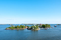 Öar av skärgården i Östersjön nära Helsingfors Arkivbilder