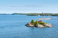 Öar av skärgården i Östersjön nära Helsingfors Arkivbild