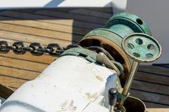 Öar, det blåa havet och blått turnerar att segla för fartyg Arkivfoton