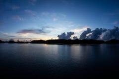 Öar i den palauiska lagun för ` s på soluppgång Royaltyfria Foton