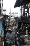 Öde byggnad efter en brand Arkivfoton