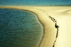 öde dunare för strand nära Royaltyfri Foto