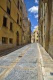 Öde gata av den gamla staden av Tarragona i Catalonia Fotografering för Bildbyråer