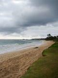 Öde Hukilau strand i Laie, norr kust Oahu, Hawaii Royaltyfri Fotografi
