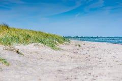 Öde sandig strand Fotografering för Bildbyråer