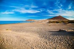 Öde sandig strand Playa el Medano Royaltyfri Fotografi