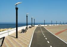 Öde seafrontpromenad Arkivfoto