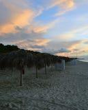 Öde strand i aftonljus Fotografering för Bildbyråer