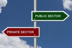 Öffentlicher Sektor gegen Privatwirtschaft Lizenzfreies Stockfoto